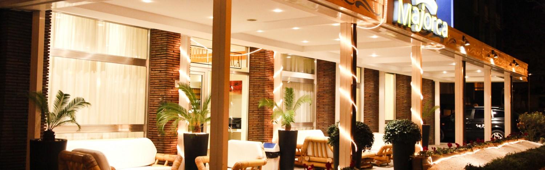 Hotel-riccione-3-stelle-fronte-mare