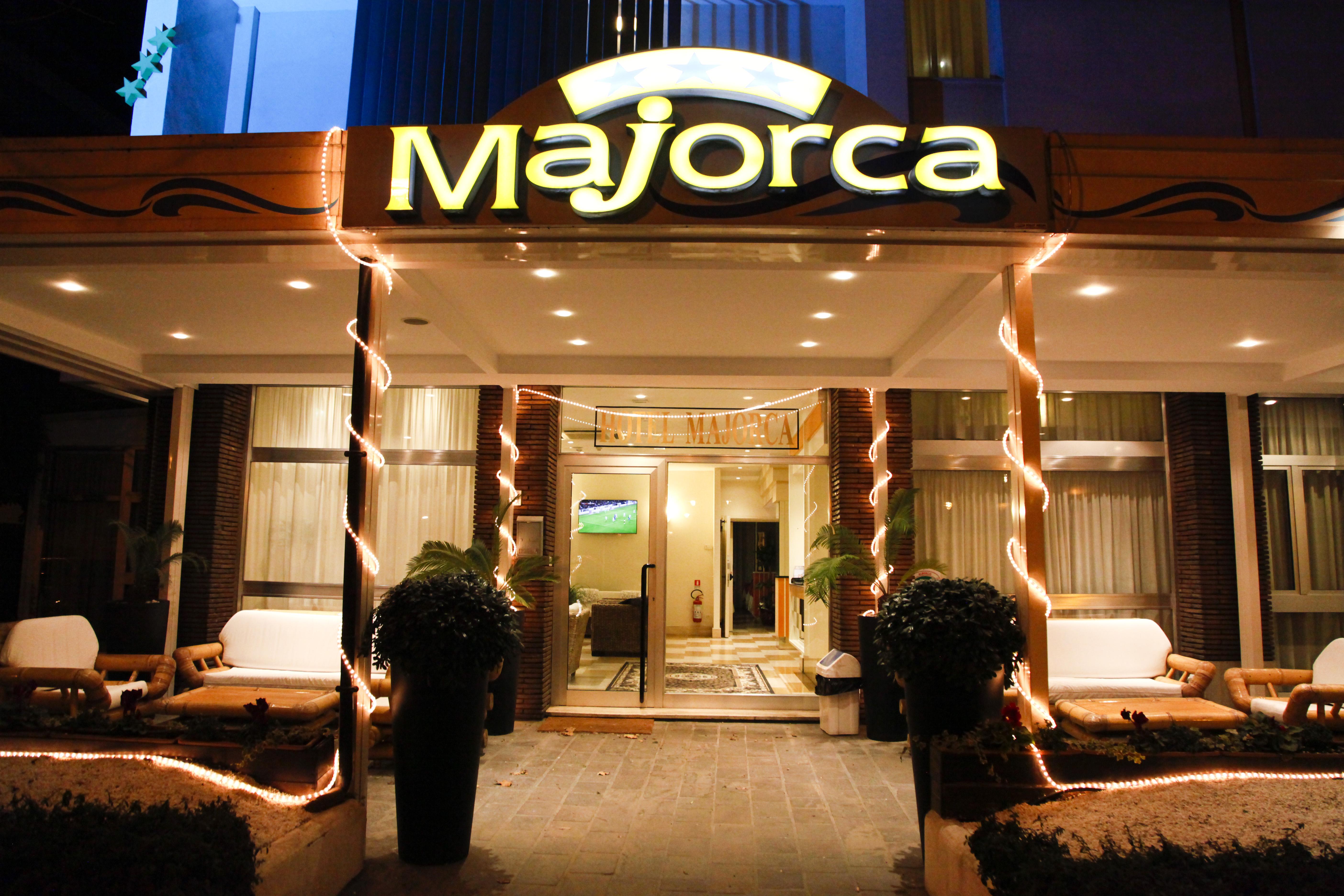 Listino prezzi | Hotel Majorca Riccione - Hotel 3 Stelle Fronte Mare